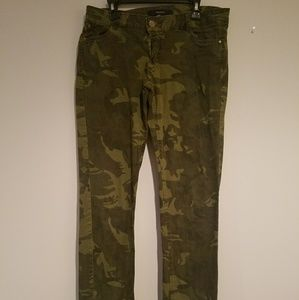 Camo forever 21 jeans size M